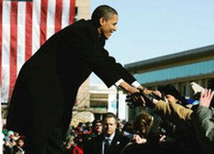 Obama greets crowd