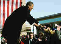 Obama greets crowd