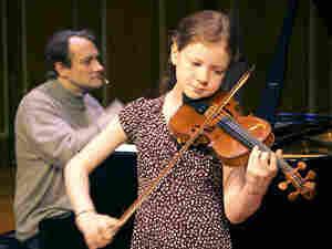 Violinist Alice Ivy-Pemberton