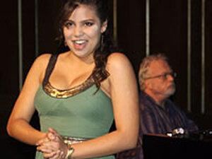 Soprano Melanie Sierra