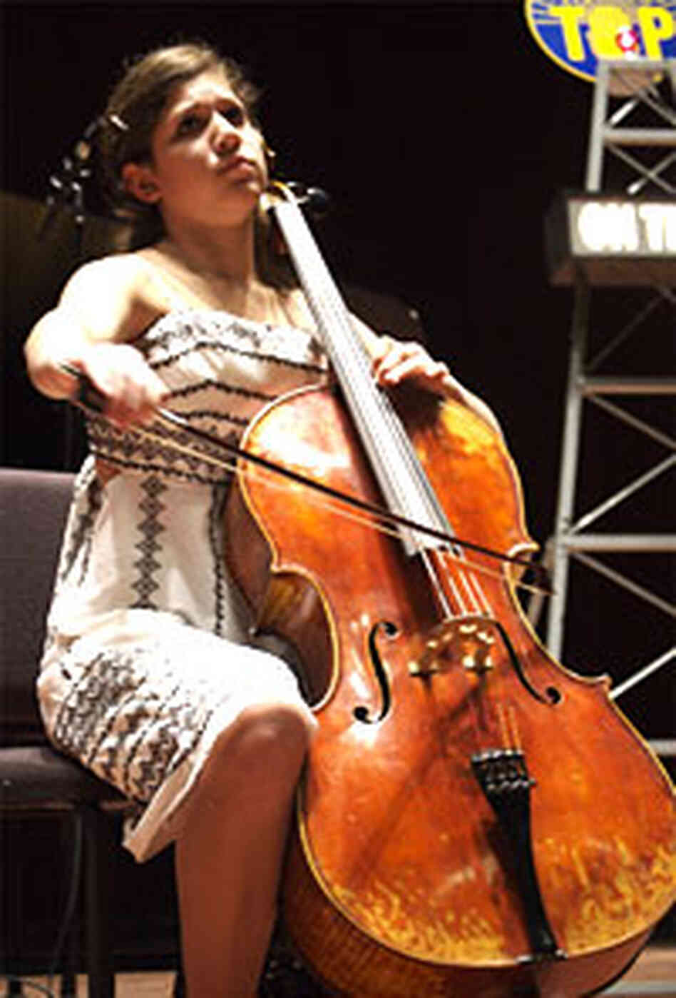 Cellist Jennie Brent