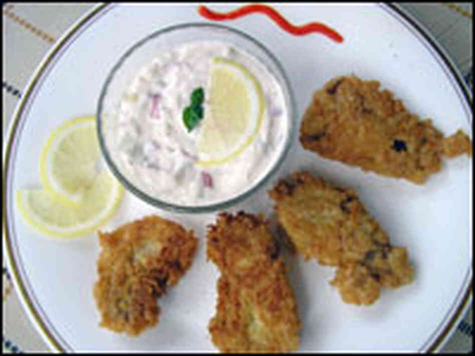 Fried oysters with tartar sauce