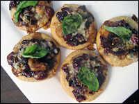 Grape-Gorgonzola Pizzettes
