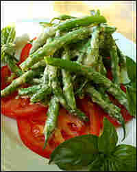 Fresh Green Bean Salad With Basil And Tomatoes