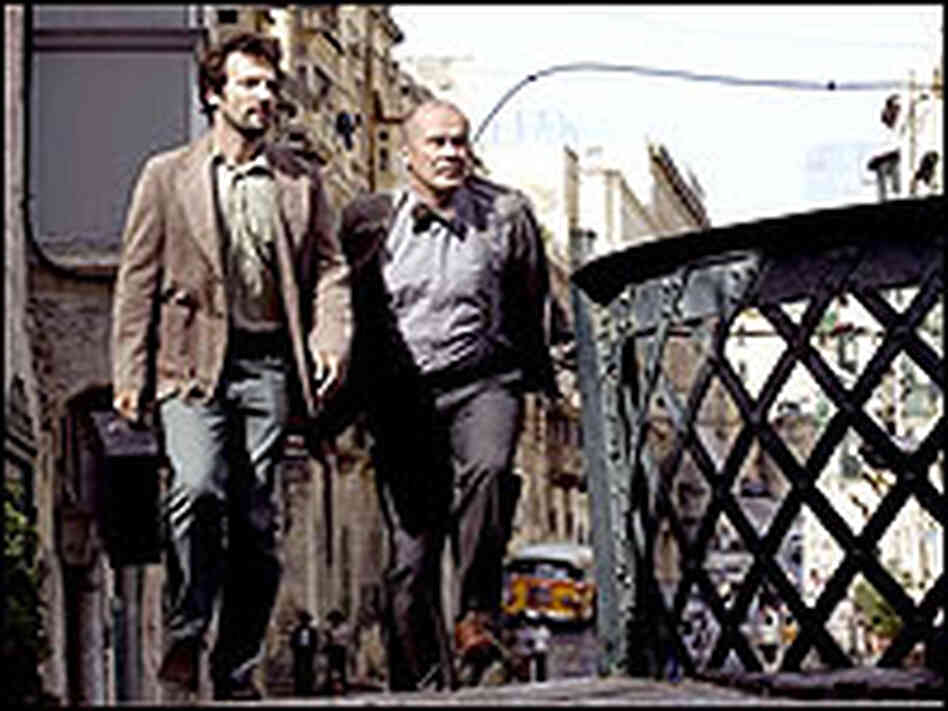 Mathieu Kassovitz and Hanns Zischler in 'Munich'