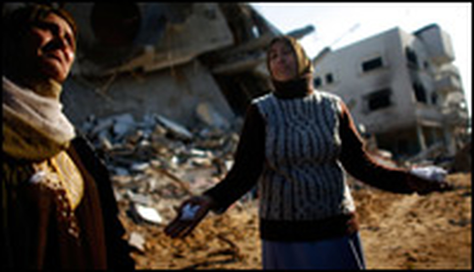 Maha al-Sultan, 36, cries in agony as she sees her destroyed home for the first time in the Tuam neighborhood of Gaza, Jan. 19, 2009.