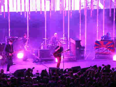 radiohead live; credit: bobboilen