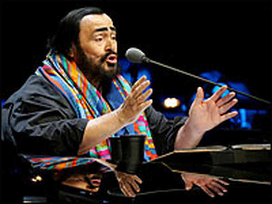 Pavarotti in concert in China