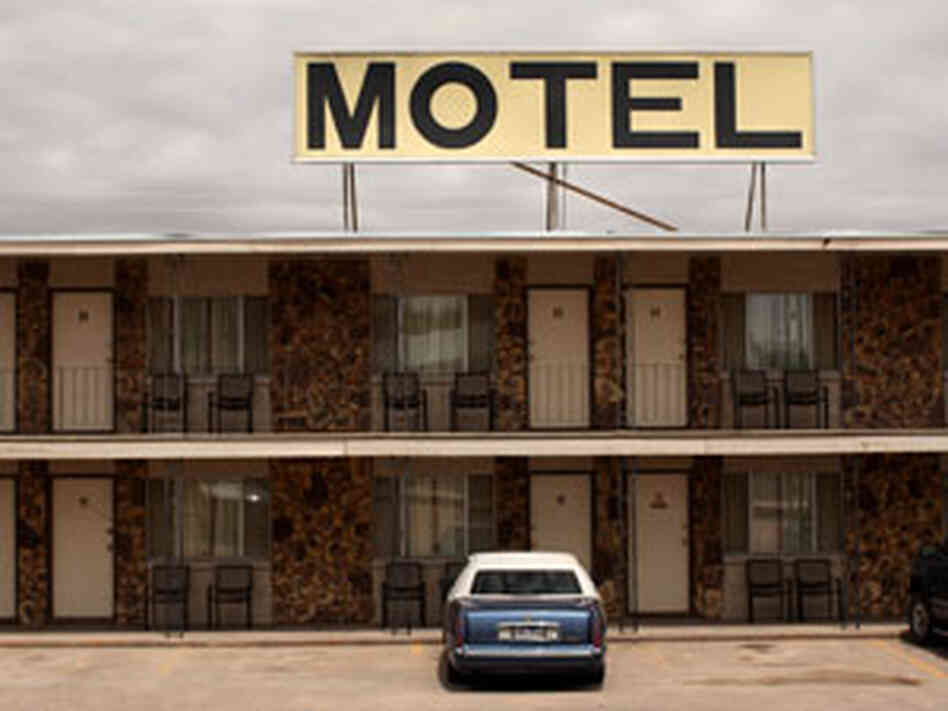 roadside motel 300