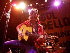 Gogol Bordello live 300