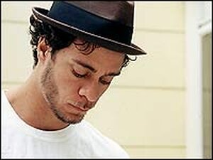 Amos Lee brings a feeling of country sweetness to northern blues.