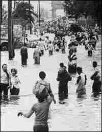 Flooding in New Orleans from Hurricane Betsy. Credit: Corbis.