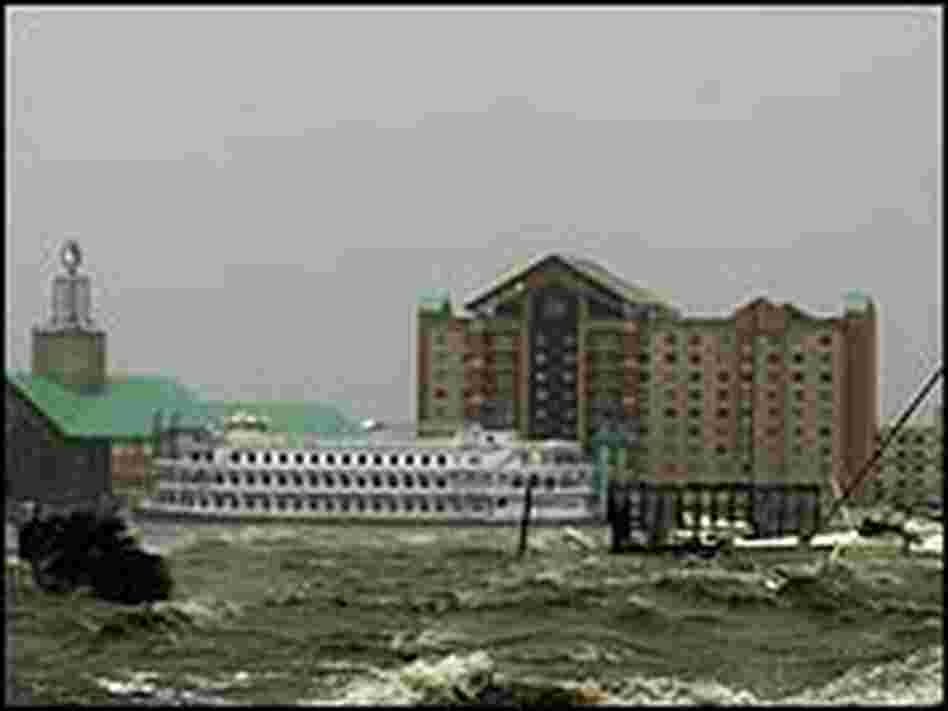 Surging waters of Lake Charles surround the Isle of Capri Casino as Hurricane Rita hits Lake Charles
