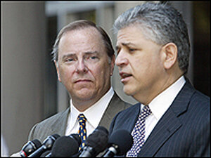 Jeffrey Skilling, left, and attorney Daniel Petrocelli address the media in May.
