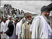Pakistani tribal leaders arrive in Afghanistan/AP.