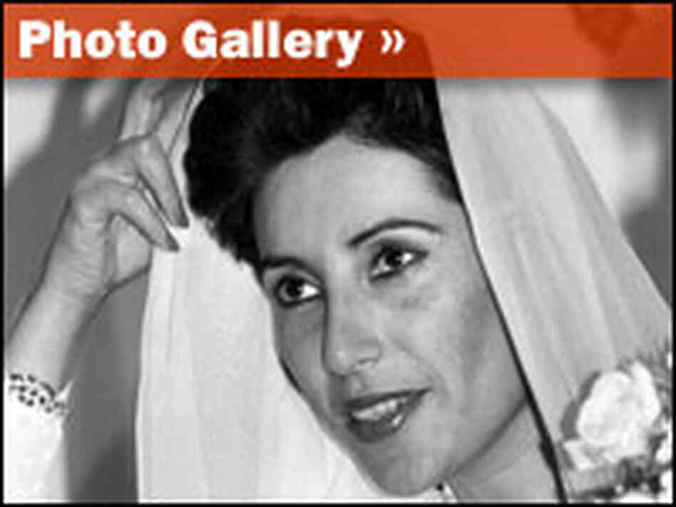 Photo Gallery: Benazir Bhutto, 1953-2007