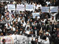 Pakistani lawyers rally against President Pervez Musharraf