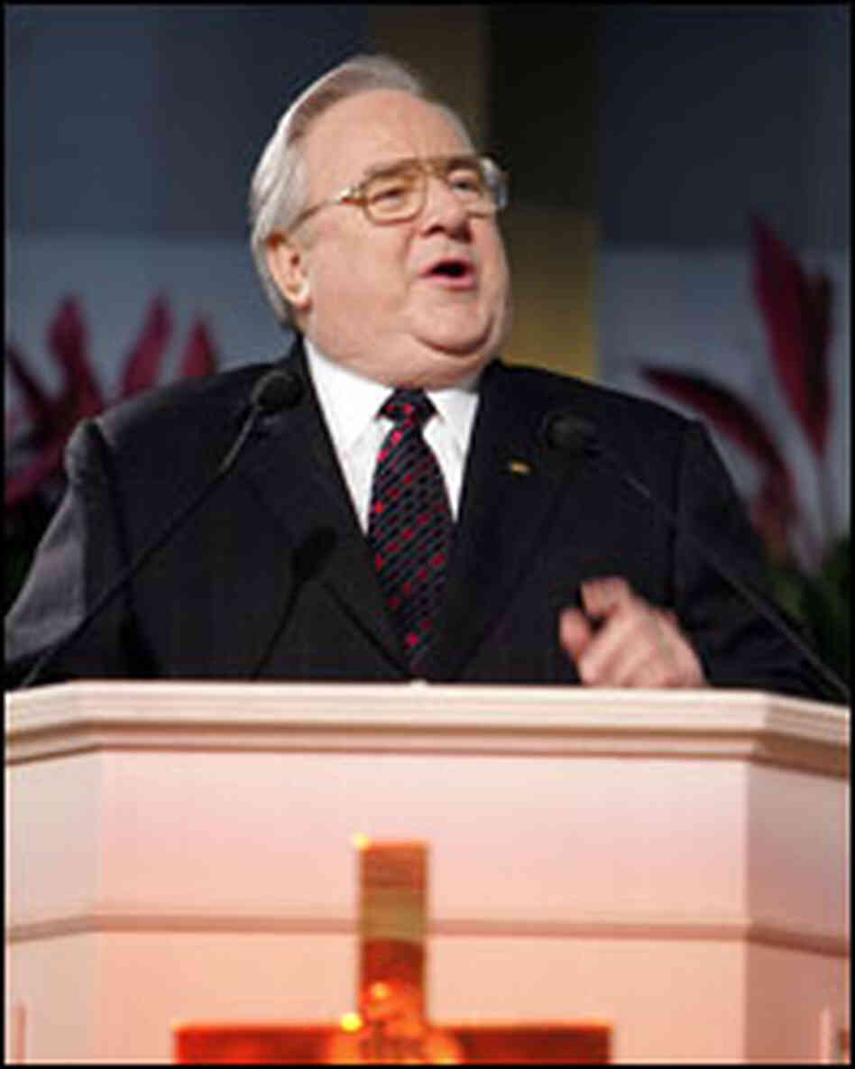 Rev. Jerry Falwell at pulpit