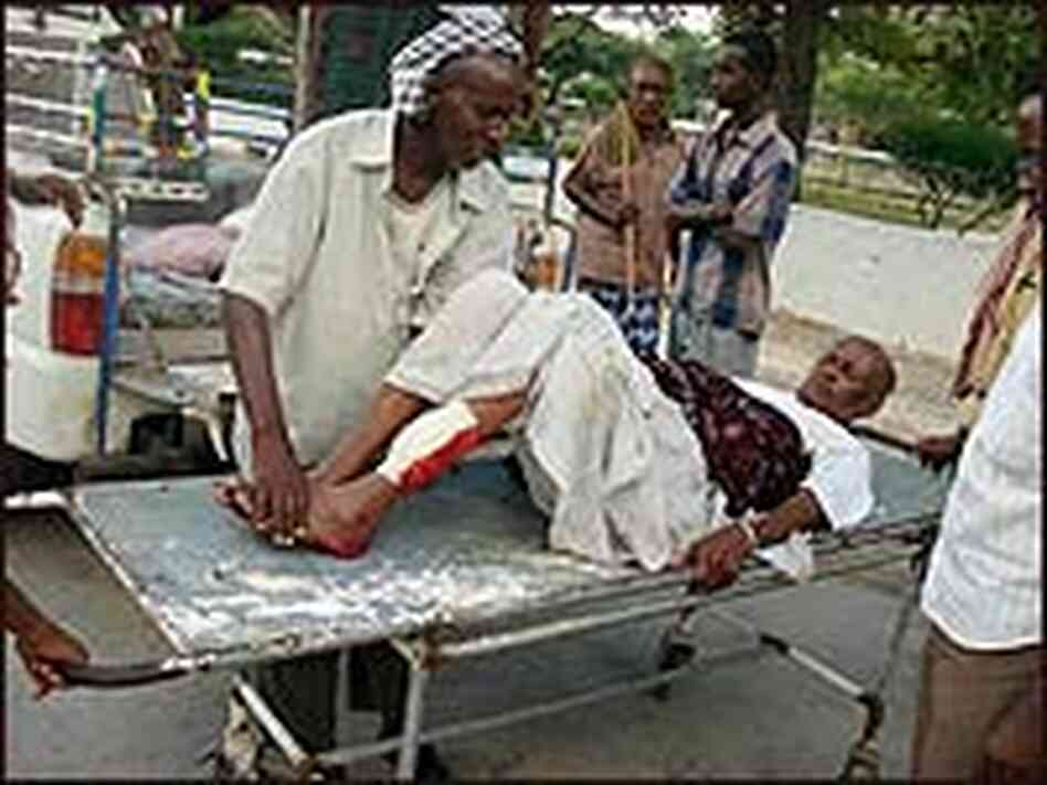 A wounded Somali man travels to a local hospital