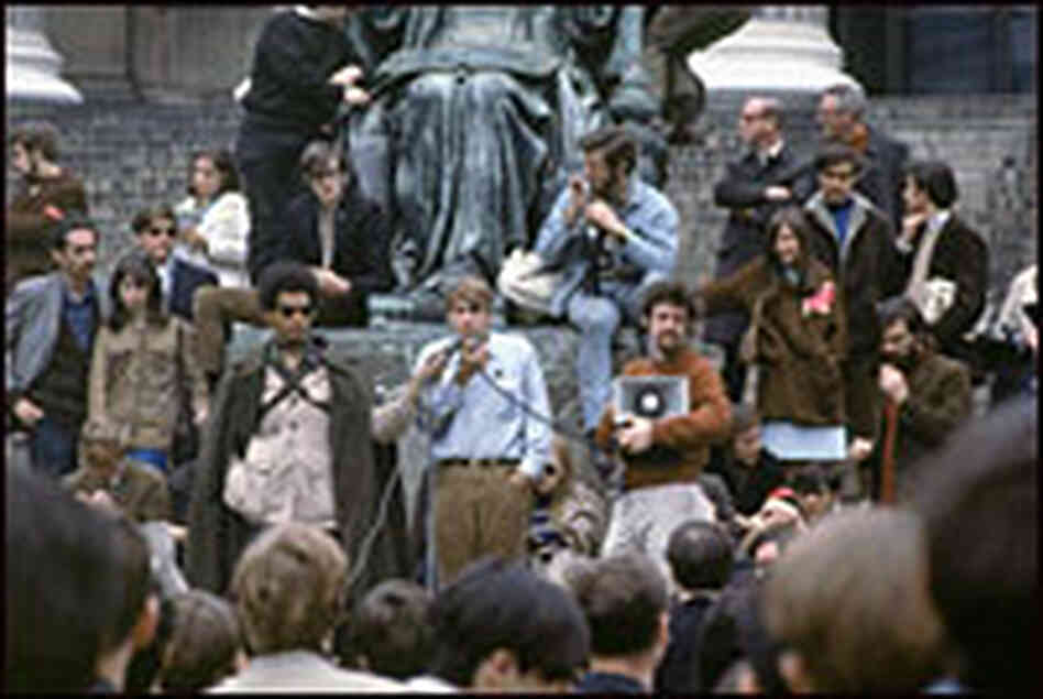 Mark Rudd addresses students at Columbia University on May 3, 1968.