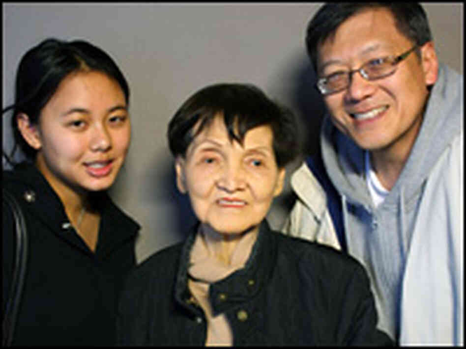 Kay Wang (center) with her son, Cheng, and granddaughter, Chen, in New York City.
