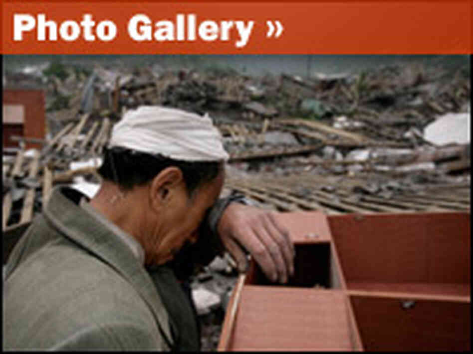 Launch photo gallery of Chinese earthquake aftermath.