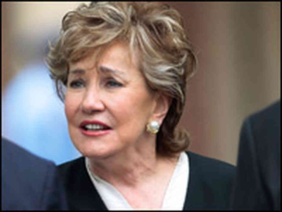 Elizabeth Dole lost to Kay Hagan in the North Carolina r