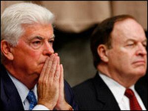 Chris Dodd and Richard Shelby listen to Henry Paulson and Ben Bernanke