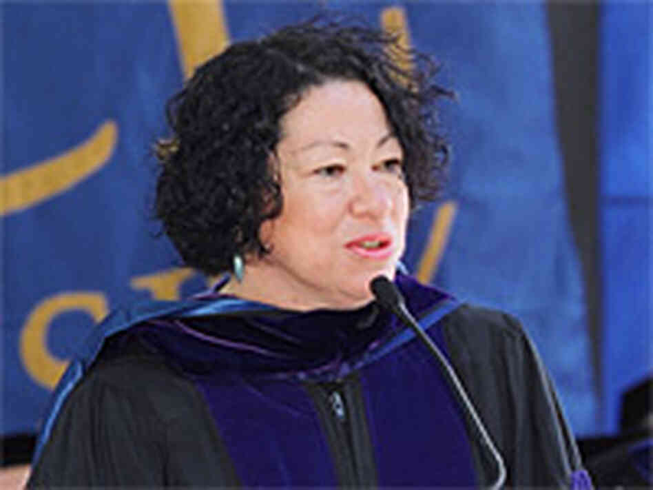 Judge Sonia Sotomayor receives an honorary degree from Pace University in 2003