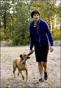 Michelle Williams as Wendy , with her dog Lucy