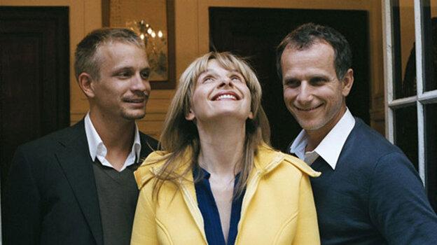W Jeremie Renier, Juliette Binoche and Charles Berling in 'Summer Hours'