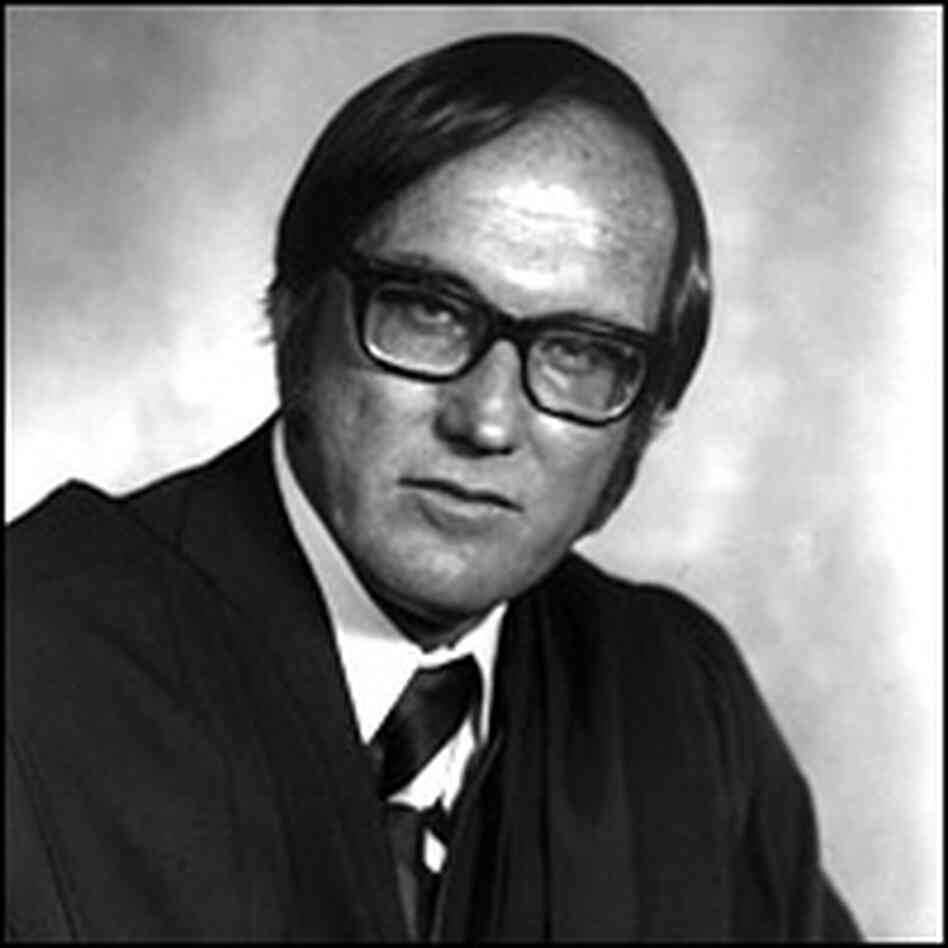 Official portrait of the 1976 U.S. Supreme Court: Justice William H. Rehnquist. Library of Congress