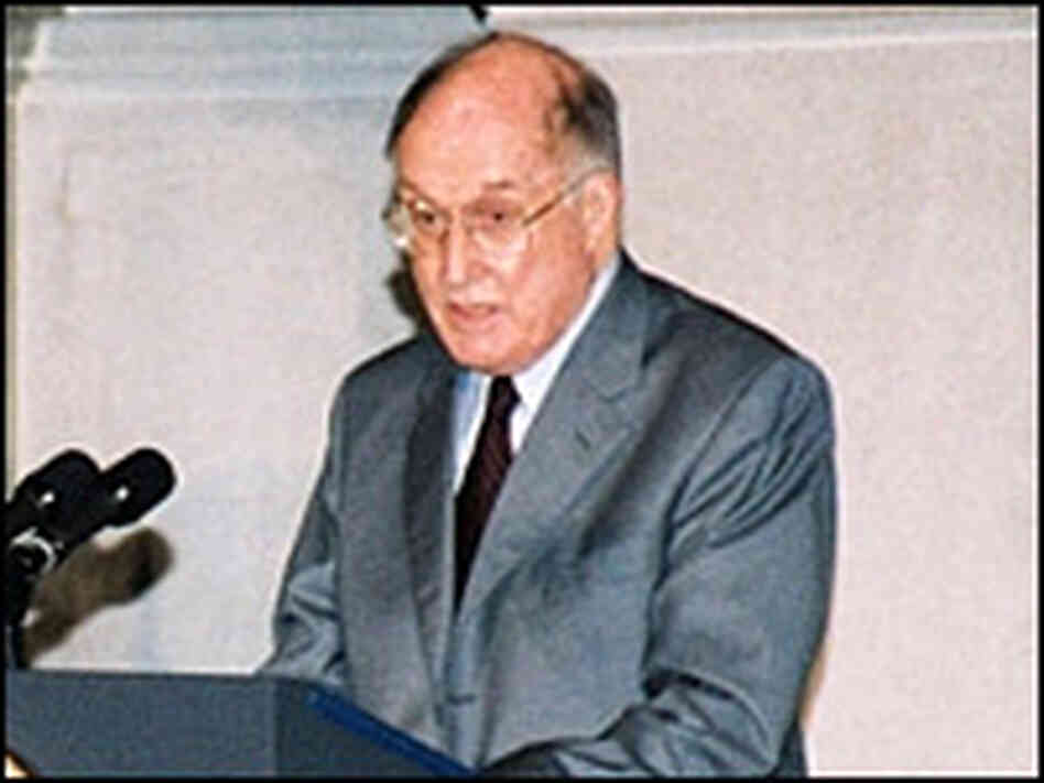 Chief Justice Rehnquist at a 2003 ceremony. Credit: National Archives