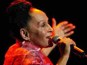 Omara Portuondo (300)