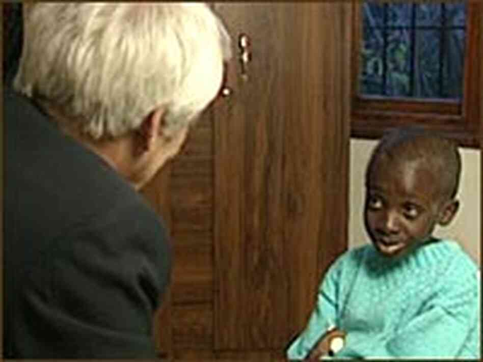 Jim Wooten interviews Nkosi Johnson for a 2001 ABC News report.
