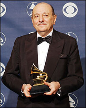 Arif Mardin poses backstage at the Grammy Awards in 2003