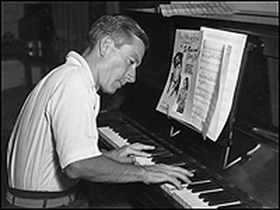 Hoagy Carmichael at the piano in 1945.