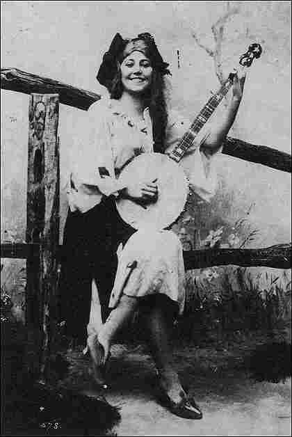 Photo of Theresa Vaughan playing a Fairbanks Electric No. 2 banjo, circa 1895.