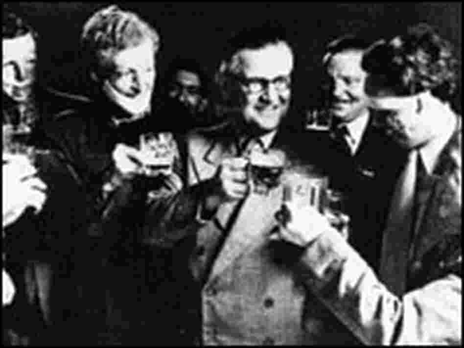 McIndoe joins his patients for a drink.