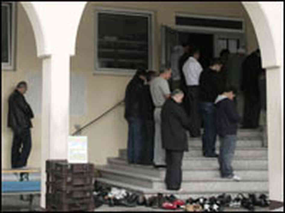 Turkish Muslims Participate in Friday Prayers