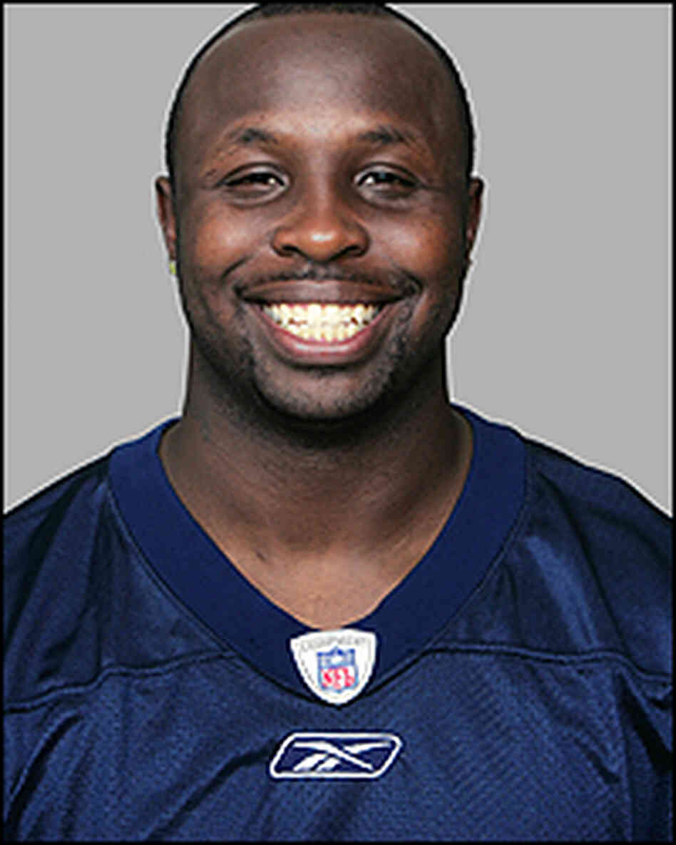 Headshot of Denver Broncos player Damien Nash.