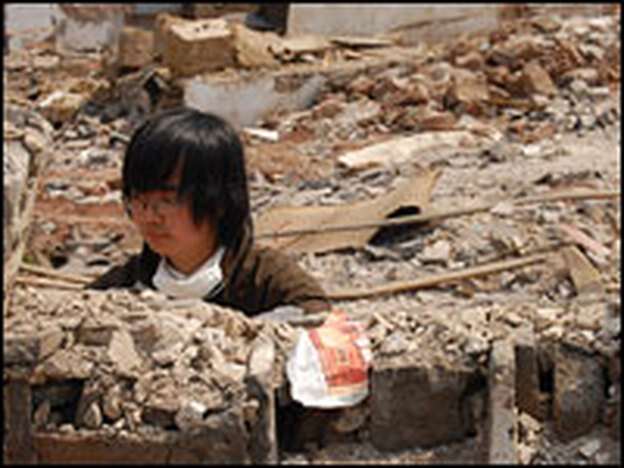 Artist and filmmaker Chen Zhong documented Kaixian's final days through photos, video and an art installation.
