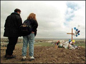 Columbine mourners