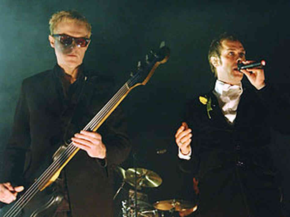 Bassist David Haskins and Peter Murphy of the band Bauhaus