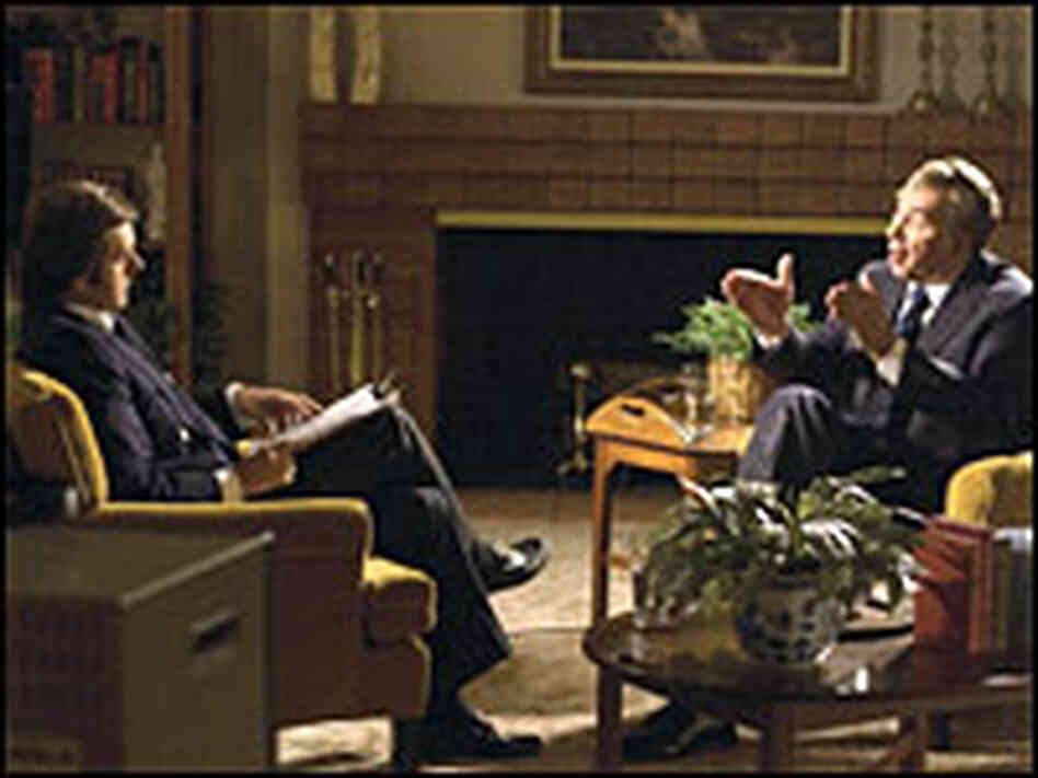 Michael Sheen as David Frost and Frank Langella as Richard Nixon