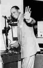 Walkin' Talkin' Bill Hawkins at radio station WHK, 1949