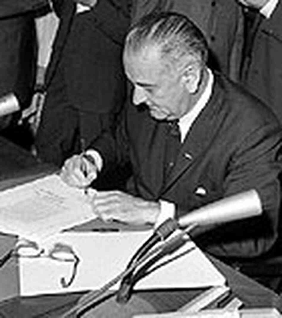lyndon b johnson and civil rights As the 36th president of the united states (1963-1969), lyndon johnson  championed groundbreaking civil rights legislation vice president johnson  became.