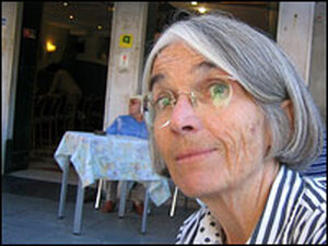 Donna Leon visits her neighborhood cafe.