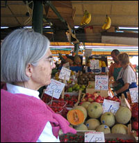 Donna Leon visits an outdoor market.