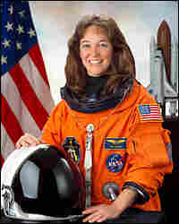 Astronaut Lisa M. Nowak. Credit: NASA.